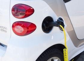 Elektrinių automobilių įkrovimas